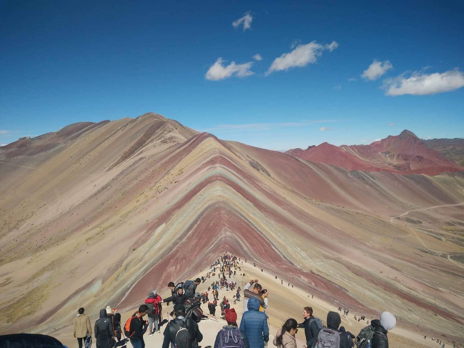 Планината на дъгата, Перу