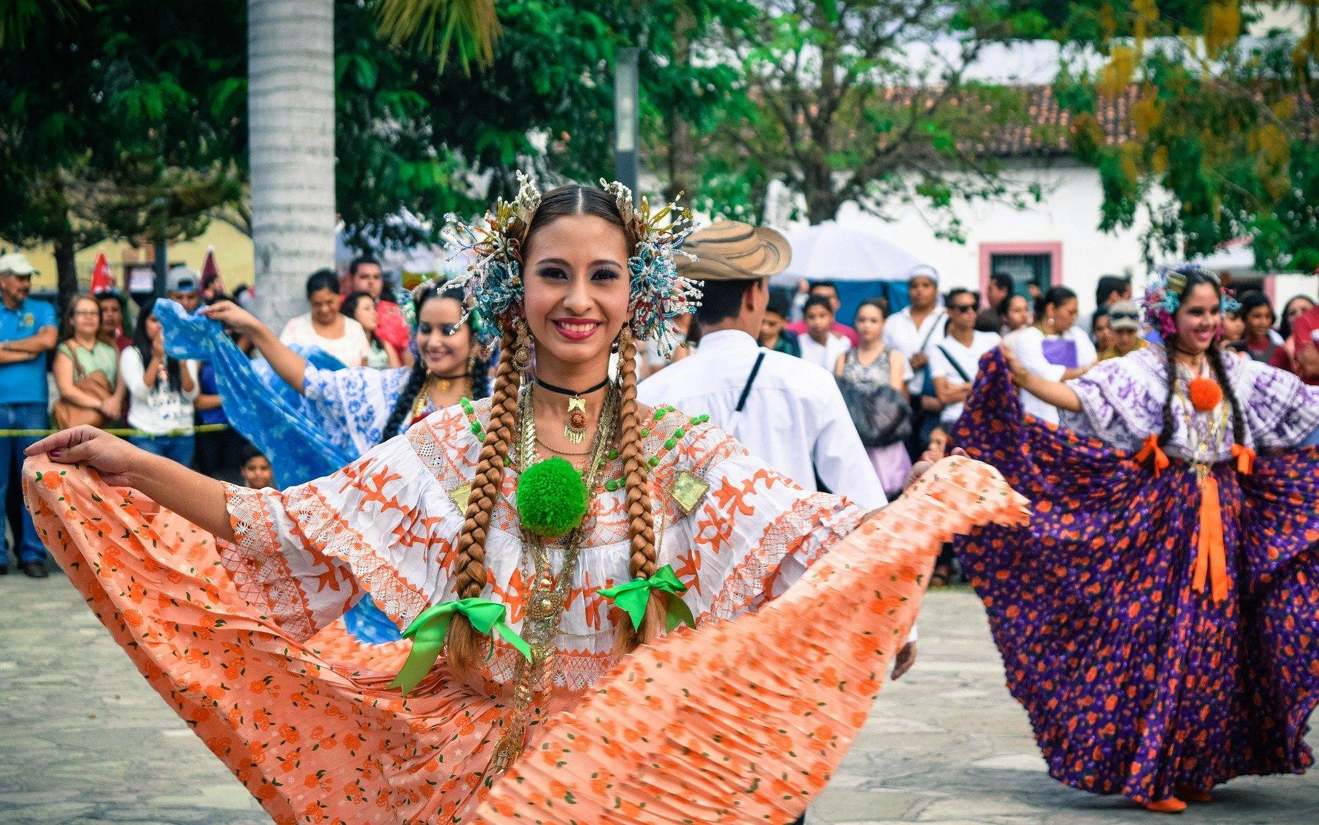 Местна девойка Коста Рика
