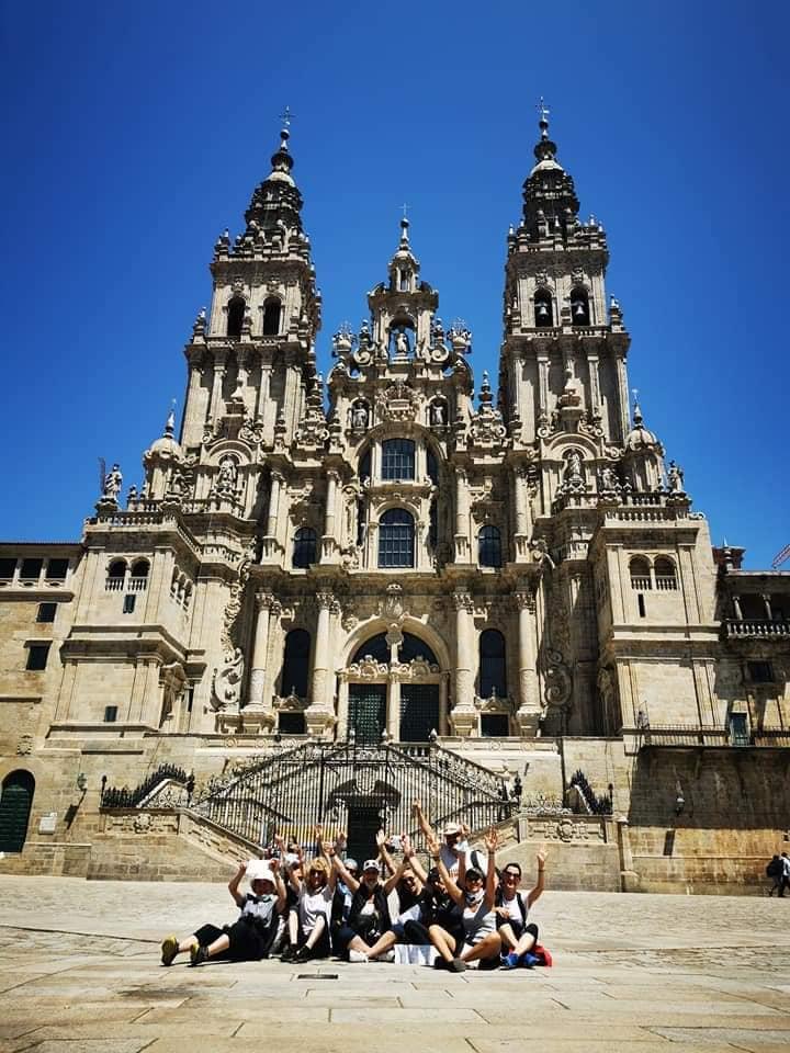 Групата ни пред катедралата Сантяго де Компостела