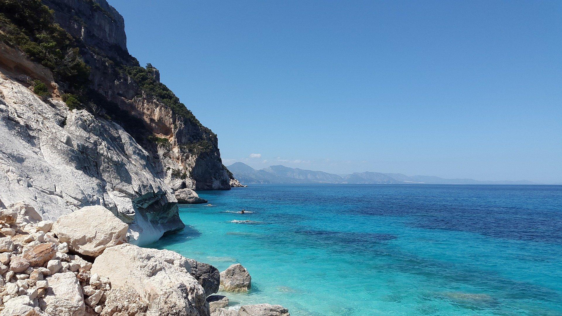 Чартърни почивки Сардиния