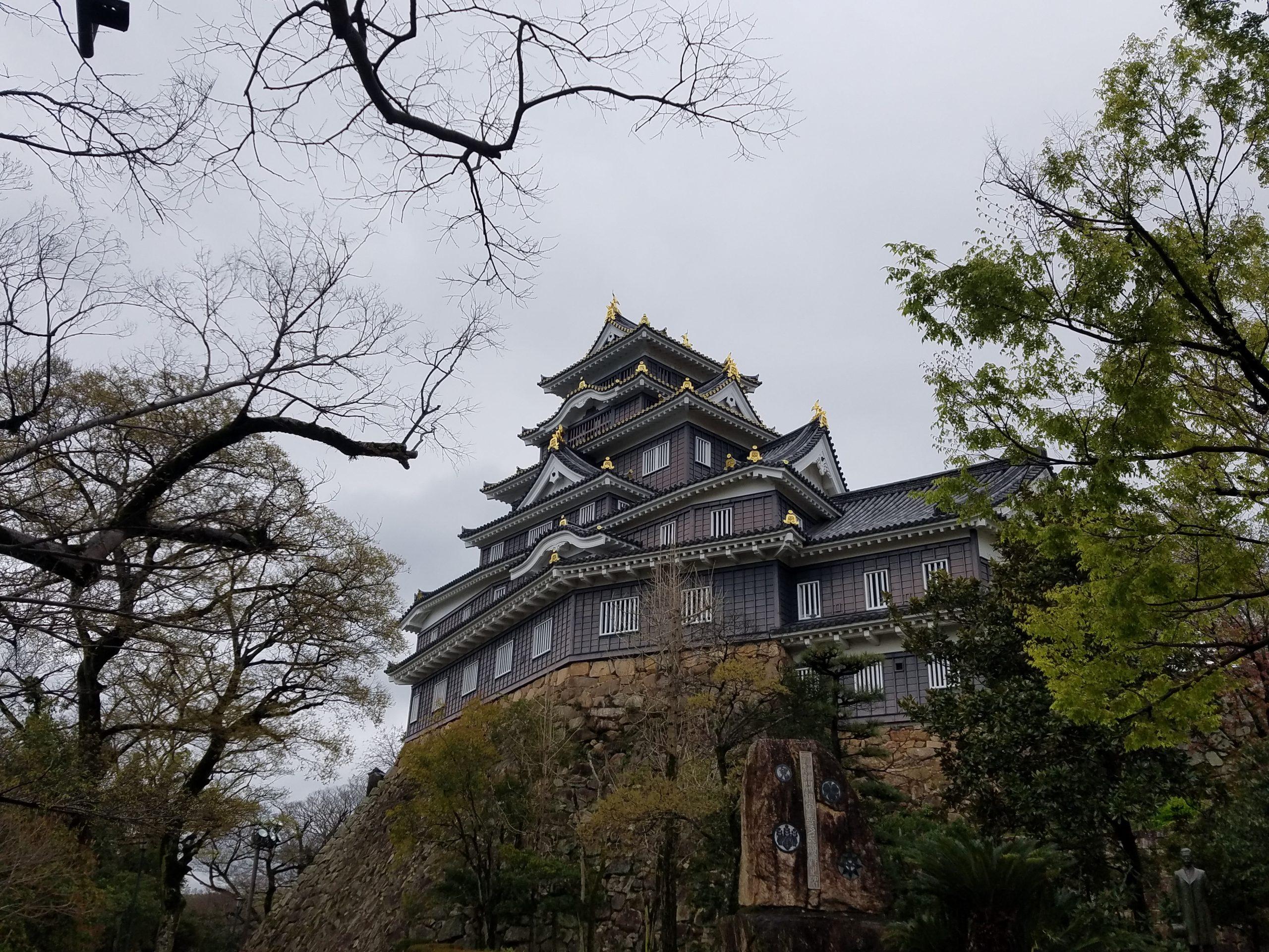 Замък в Окаяма