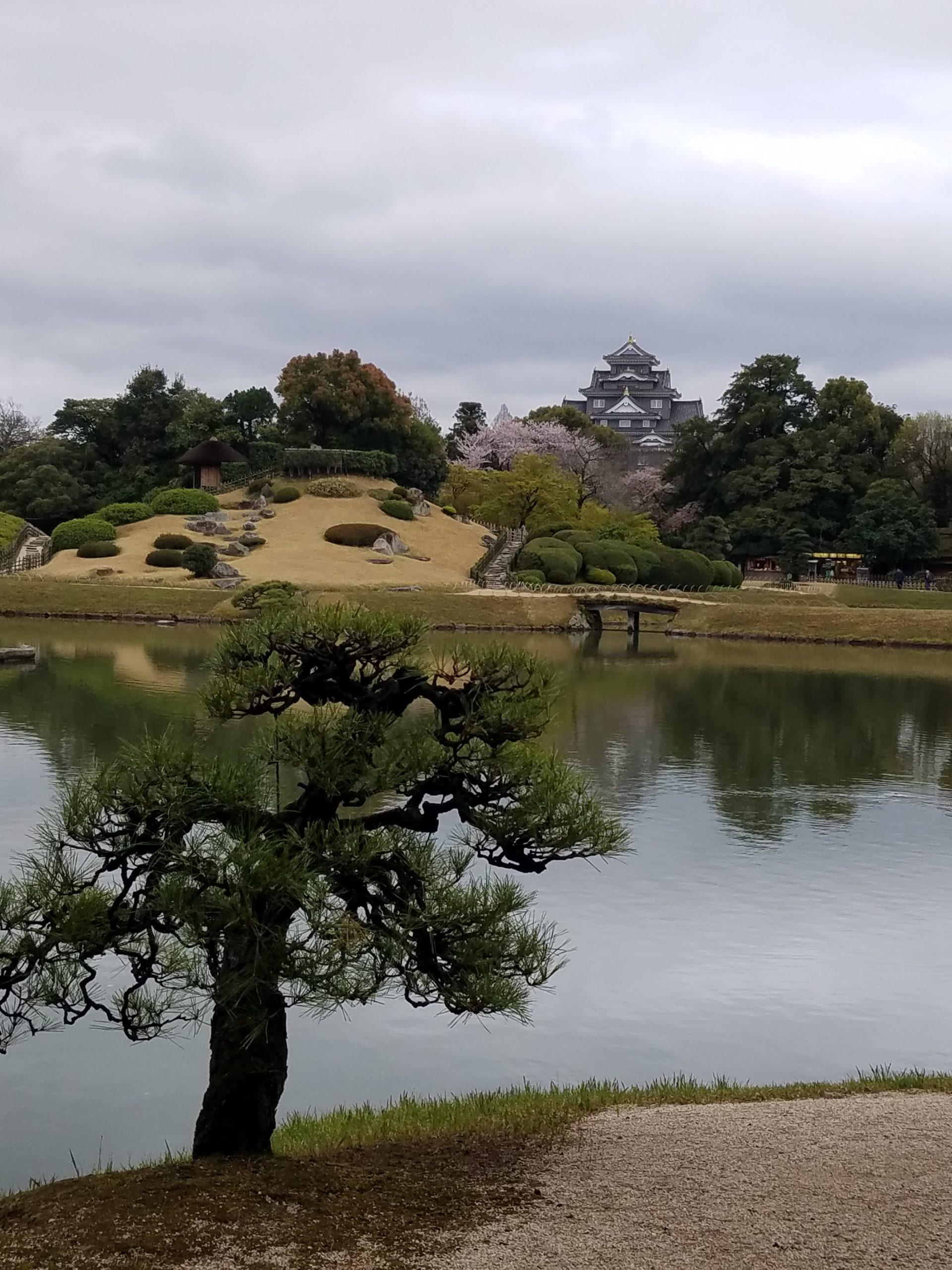 Кигакуен градина в Окаяма = една от 3 те най - красиви градини в Япония